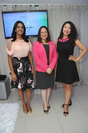 ADSC celebra su 18 aniversario y presenta Pasarela Rosa