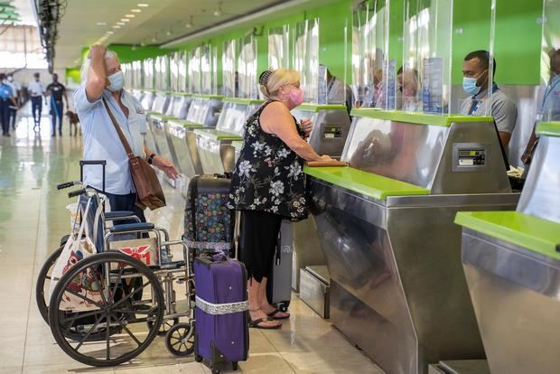 En estos momentos, España es el segundo país emisor de turistas hacia República Dominicana, con 15.750 visitantes en junio, lo que supone el 3,88 % de los viajeros extranjeros llegados en ese mes, según estadísticas del Ministerio de Turismo.
