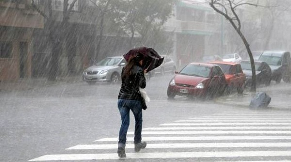 Continúan los aguaceros con tormentas eléctricas por vaguada y onda tropical