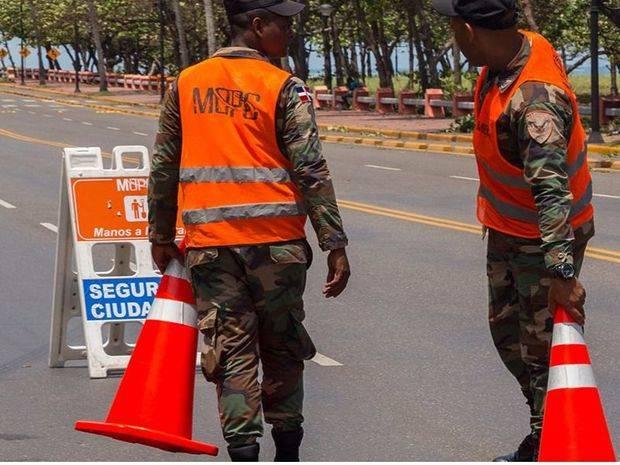 Ministerio de Obras Públicas despeja vías en Puerto Plata
