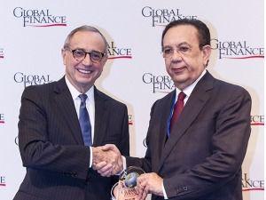 Albizu es seleccionado entre los mejores gobernadores de América Latina y el Caribe