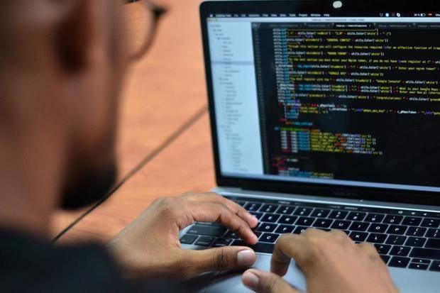 Uno de los temas abordados en el SICA Emprende 2020, con el lema 'Gente sin miedo que se reinventa, que soluciona', estuvo enfocado en la tecnología y la digitalización, recursos que aún se ven limitados en la región centroamericana.