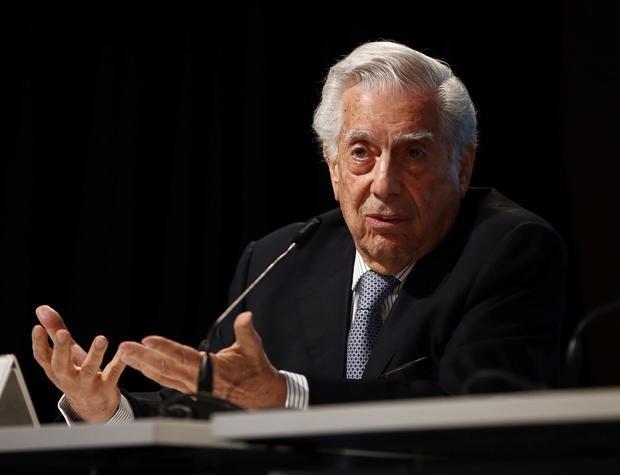 Vargas Llosa llama a los peruanos a votar por Keiko