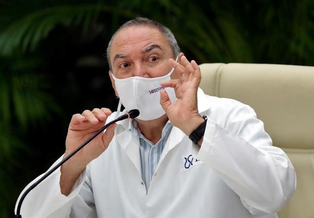 Francia apoya con 45 millones de euros la producción de vacunas en Cuba