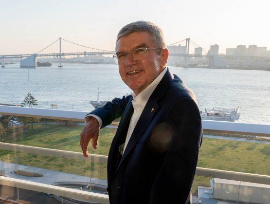 Presidente del COI visita Villa Olímpica y augura experiencia inolvidable