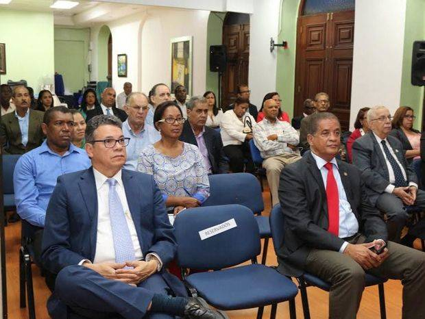 ODAC dicta conferencia magistral sobre norma internacional