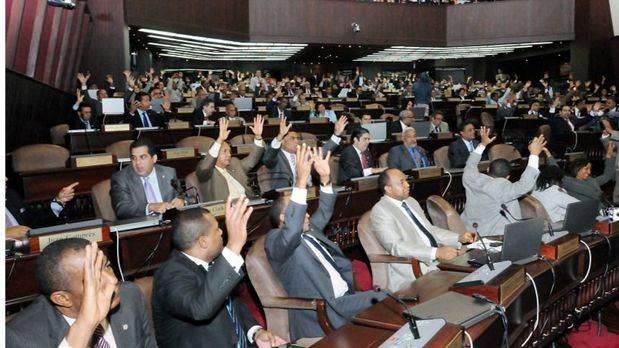 Diputados convierten en ley proyecto del Presupuesto General del Estado 2018