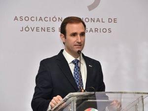 Raúl Hoyo.