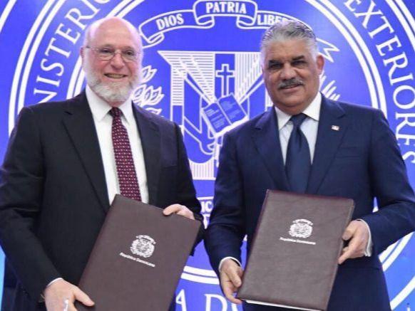MIREX y MINC suscriben acuerdo para promover cultura dominicana
