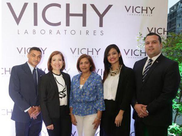 Farmacia Carol recibe la marca VICHY