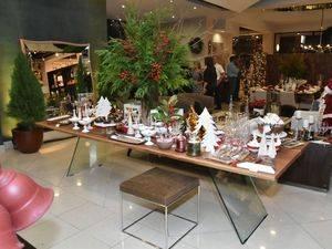 Decoración con motivo Navidad en la tienda Elements.