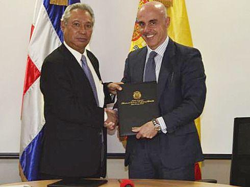 España y RD firman acuerdo para avanzar en cooperación