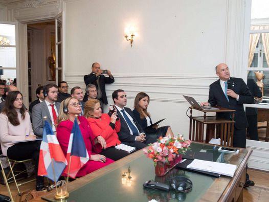 Resaltan en Paris potencial de RD para desarrollo de energía renovable