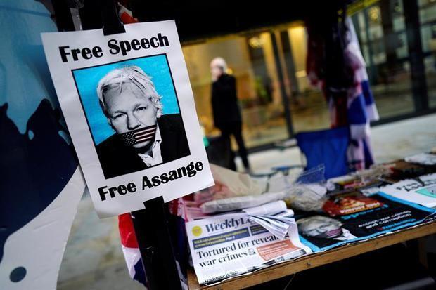 Assange puede volver a Australia si gana batalla contra extradición a EE.UU.