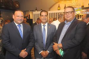 Juan Carlos Ortiz, Carlos Garci?a y Rafael De Marchena.