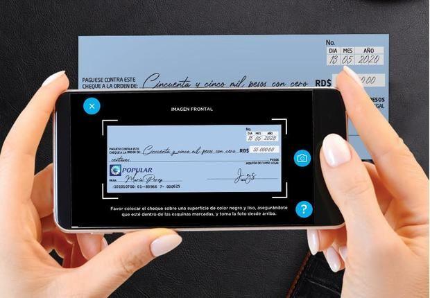 Depositar cheques desde la App Popular permite ahorrar tiempo y exposisición.