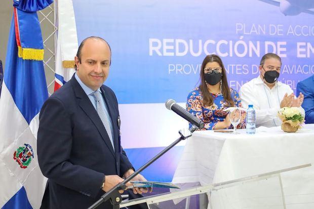 Román E. Caamaño, director general del IDAC, durante el lanzamiento del Plan de Acción de Reducción de Emisiones CO2.