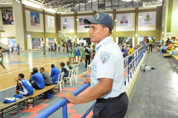 La Policía Escolar fomenta la cultura de paz en los IX Juegos Deportivos Escolares
