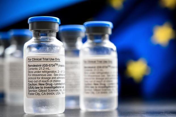 Foto de archivo - Ampollas del medicamento antiviral Remdesivir para pacientes con coronavirus SARS-CoV-2 se exhiben en el hospital universitario de Essen, Alemania, el 3 de junio de 2020.