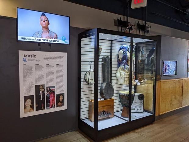 Fotografía cedida por el Museo Island SPACE Caribbean donde se muestra el apartado dedicado a la música en su sede situada en la ciudad de Plantation, al norte de Miami, Florida.