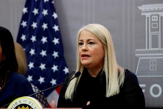 La gobernadora de Puerto Rico, Wanda Vázquez (Imagen), anunció hoy una nueva orden ejecutiva ante la pandemia que permite, entre otras medidas, un mayor porcentaje de ocupación en restaurantes y otros espacios sociales.