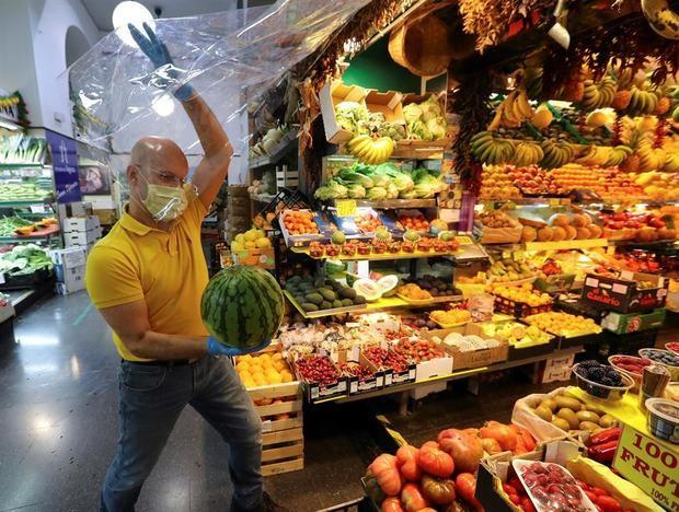 Foto de una frutería del mercado de Vegueta en Las Palmas de Gran Canaria.