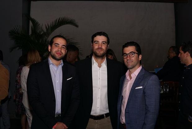 Carlos Santos, Juan Llaneza y Ricardo Tarrazo.