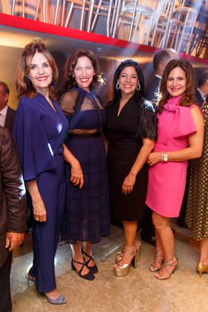 Carmen Vicens, Melba Vicens Bravo, Alexandra Guzmán de Campaña, Bethania de Rizek.