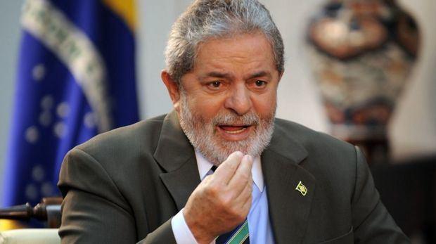 Un juez ordena retener el pasaporte de Lula y le prohíbe salir de Brasil