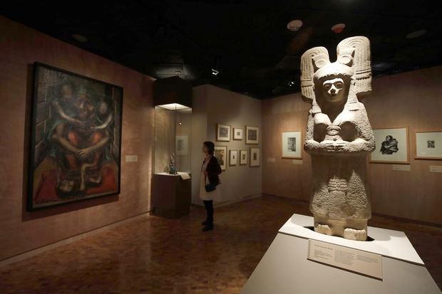 México celebra independencia con exhibición sobre su