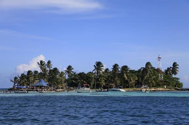 La isla colombiana de San Andrés apuesta por el medioambiente cambiando a bombillas LED