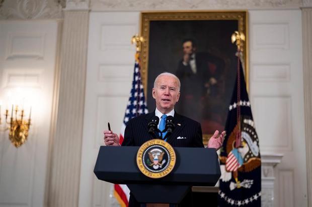 El presidente de EE.UU., Joe Biden, habla desde la Casa Blanca, este 2 de marzo de 2021.