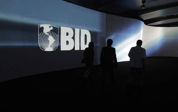 El BID urge a elevar inversiones y ve con preocupación guerra comercial