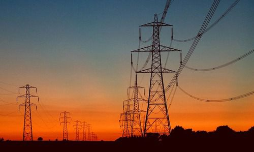 Industrias piden suspensión discusión sobre tarifa a Usuarios No Regulados