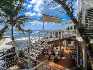 Un mismo espacio para toda la variedad de la cocina dominicana, Adrian Tropical