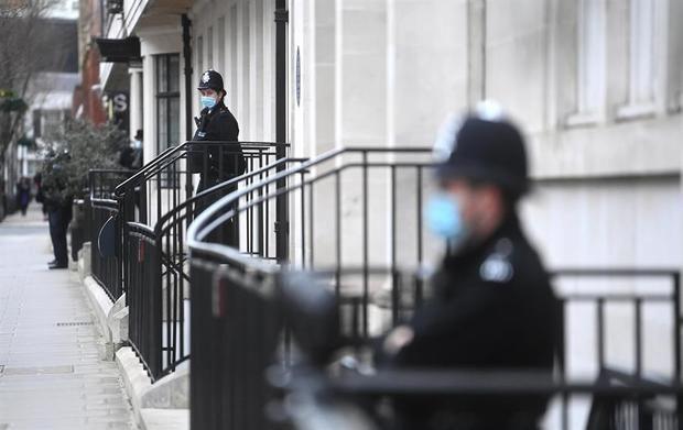 Reino Unido ha puesto casi 69.000 multas por violar restricciones anticovid.