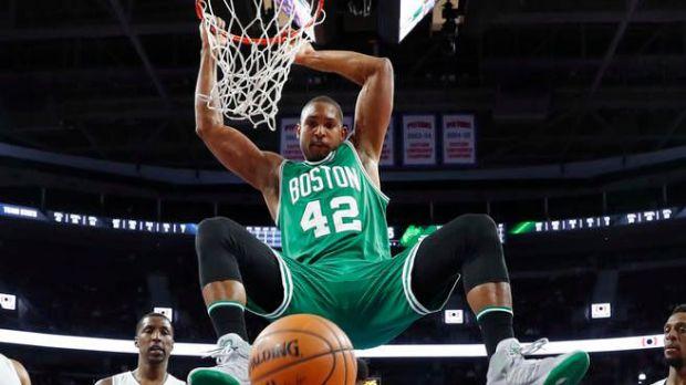 Horford muestra liderazgo ganador y Celtics toman ventaja ante Bucks