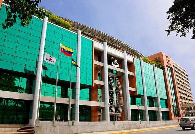 Justicia venezolana confirma cargos a 11 directivos de Banesco arrestados