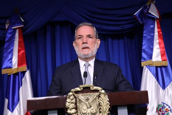 El presidente Medina designa una comisión para evaluar el pacto migratorio de la ONU