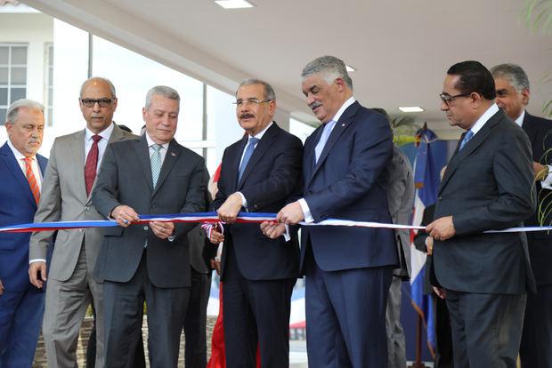 Medina deja en funcionamiento nuevas instalaciones en sede de la Cancillería