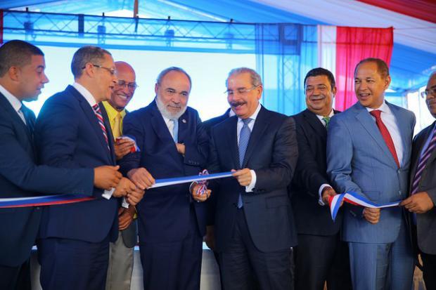 Danilo Medina entrega Hospital Municipal Dr. Pedro Antonio en Céspedes Constanza