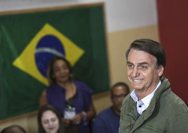 Jair Bolsonaro gana las elecciones con un 55 % y gobernará Brasil hasta 2022