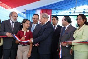 Danilo Medina entrega obras en la provincia Duarte