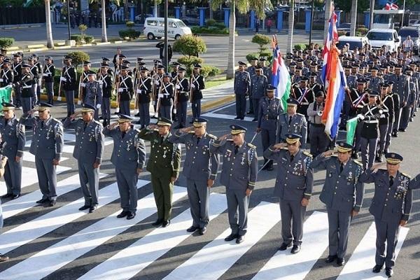 Más de 29,000 policías y militares vigilarán las calles dominicanas durante Navidad
