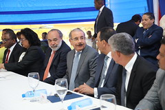 Danilo Medina inaugura escuela en Los Alcarrizos.