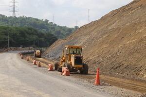 Danilo Medina constata buena marcha construcción carreteras de Puerto Plata