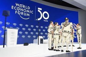 Brasil, México y Argentina, las grandes economías latinoamericanas, se encuentran en el mismo ciclo económico de crecimiento estancado y afrontan el desafío común de reducir su abultada deuda, reconocieron hoy en el Foro Económico Mundial de Davos altos responsables económicos de los tres países.