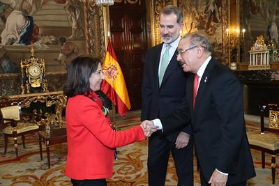 Rey de España Felipe VI recibe al presidente Danilo Medina, en Palacio Real de Madrid