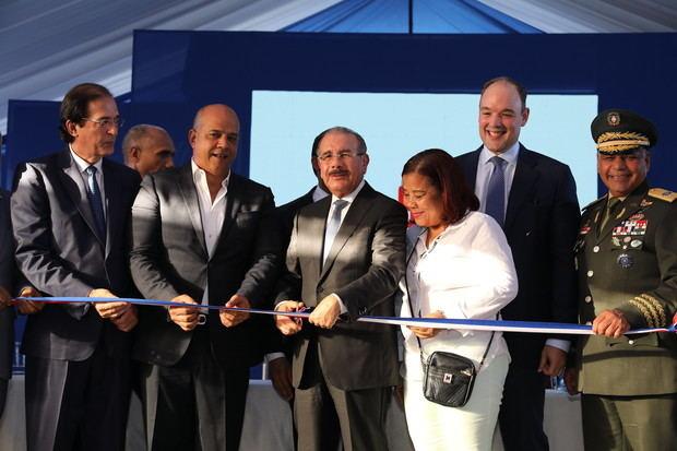 Acto de inauguración encabezado por el presidente Danilo Medina por inicio de operaciones del Sistema Nacional de Atención a Emergencias y Seguridad 911, en los 11 municipios de Barahona.
