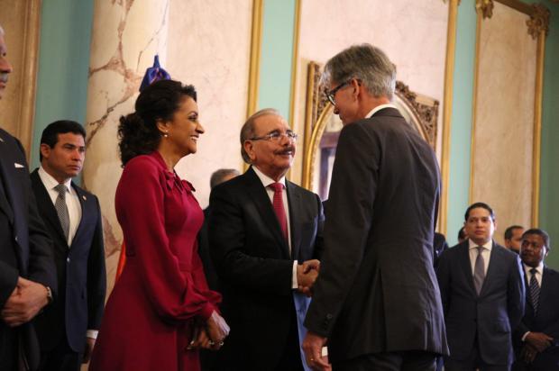 Presidente Medina y primera dama, reciben saludos de Año Nuevo en el Palacio Nacional
